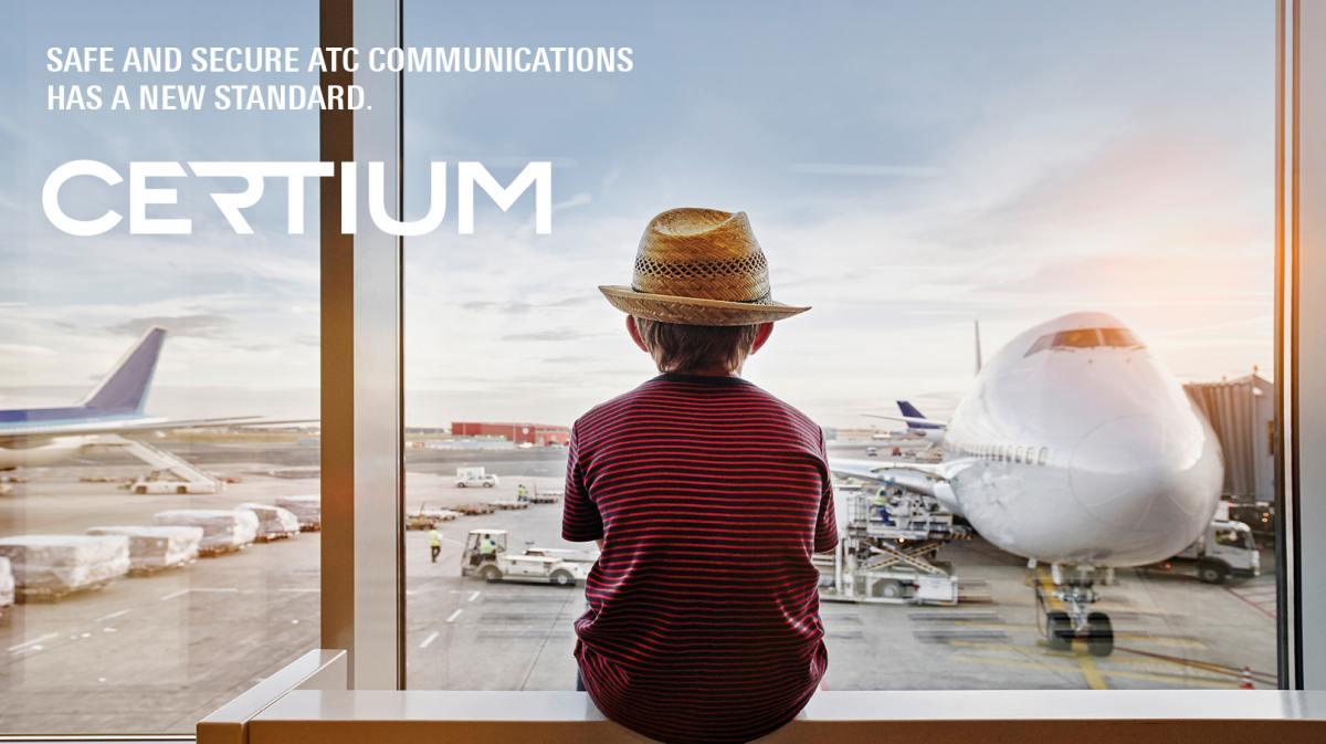 Certium ATC Plakat am Flughafen von Rohde & Schwarz